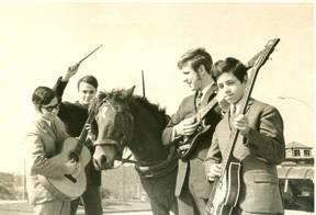 Da esquerda para a direita, Os Coopers são: Carlos Resende, António Amanajás, Carlos Brandão e José Resende