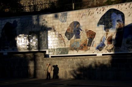PP Paulo Pimenta - 6 Novembro 2012 - PORTUGAL, PORTO - painel Ribeira Negra, de Julio Resende, na parede entre o Tunel da Ribeira e a Ponte Luiz I, restaurado